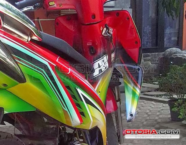 Foto Modifikasi Motor Matic: Honda Vario Street Racing