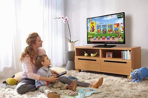 8 lỗi người dùng mắc phải khi vệ sinh màn hình tivi