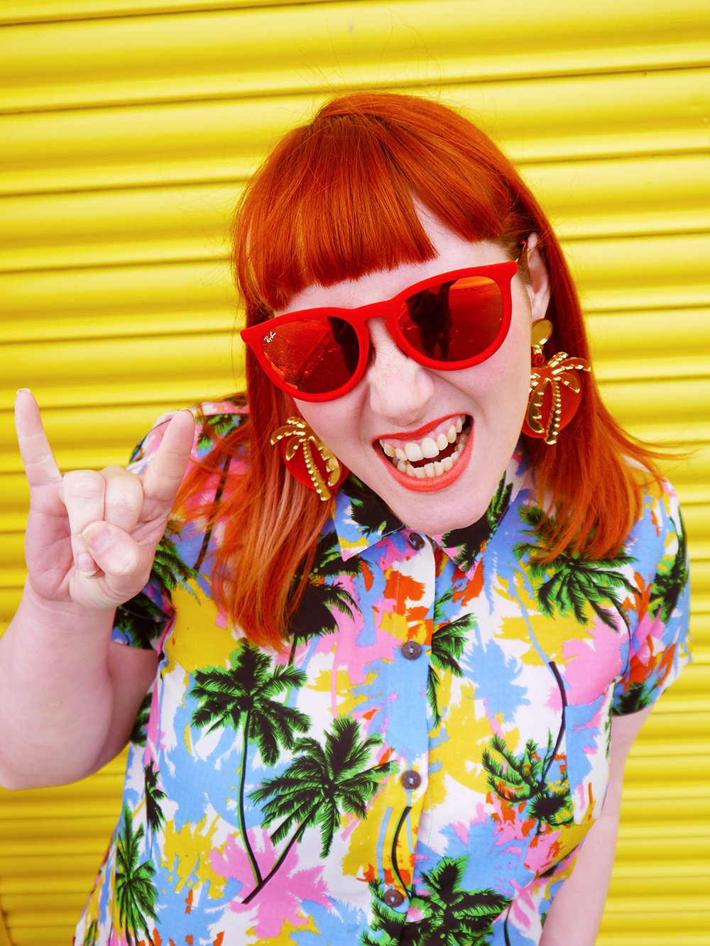 Lou Taylor, tropical style, palm tree earrings, hula style, hawaiian shirt, ginger hair, giveaway, jewellery giveaway, win, sunglasses, holiday style