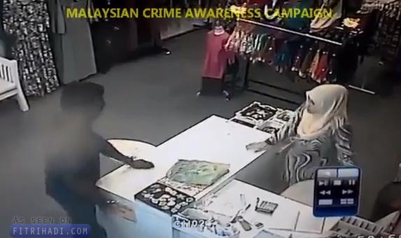 video lelaki india rompak pukul pekerja wanita dengan besi