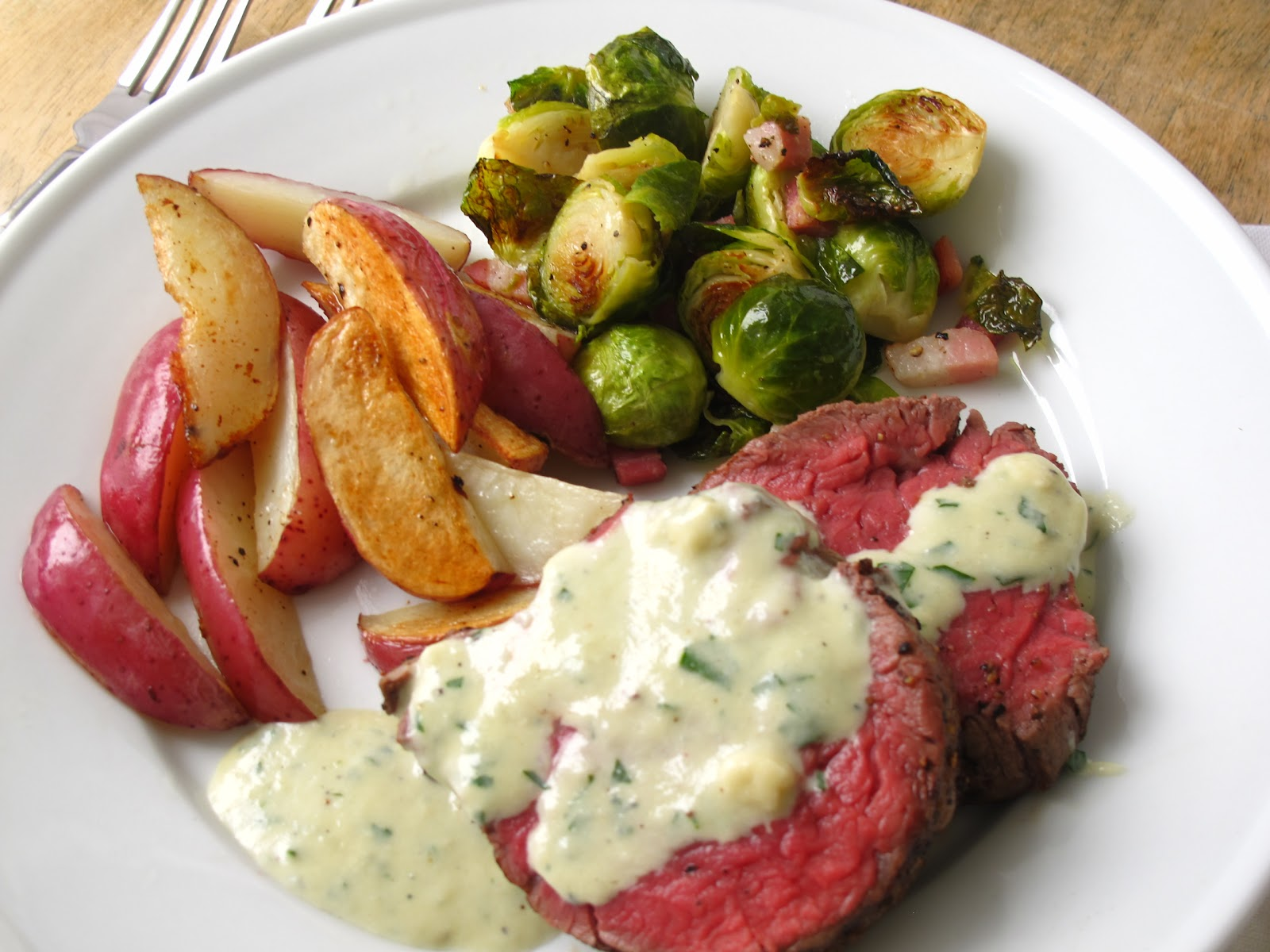 Jenny steffens hobick beef tenderloin recipe for holiday for Canape ideas for dinner party