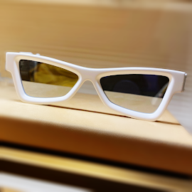 Louis Vuitton Skepticals white sunglasses