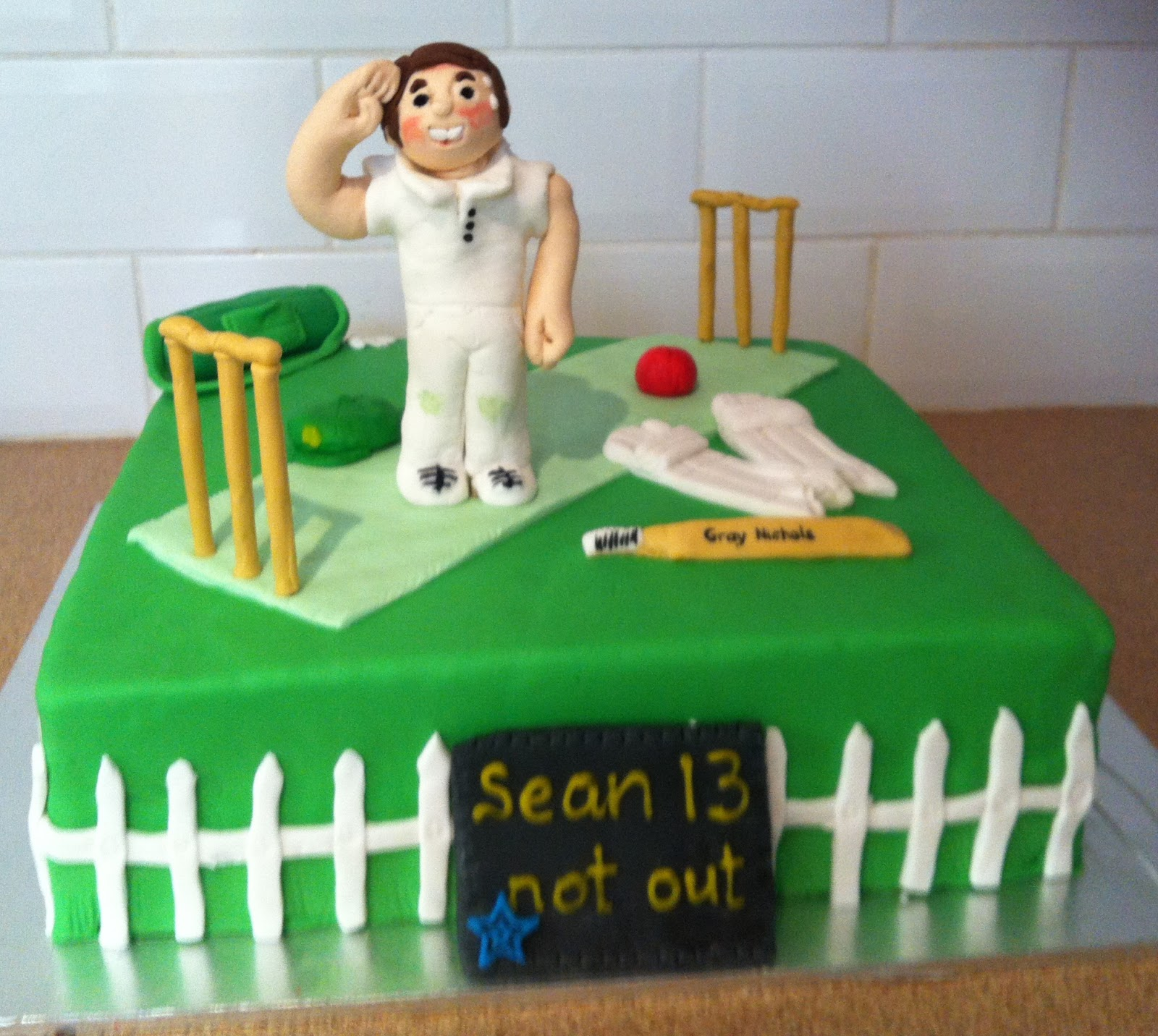 Cake Images Cricket : Simone s Cake Creations: Sean s Cricket Cake