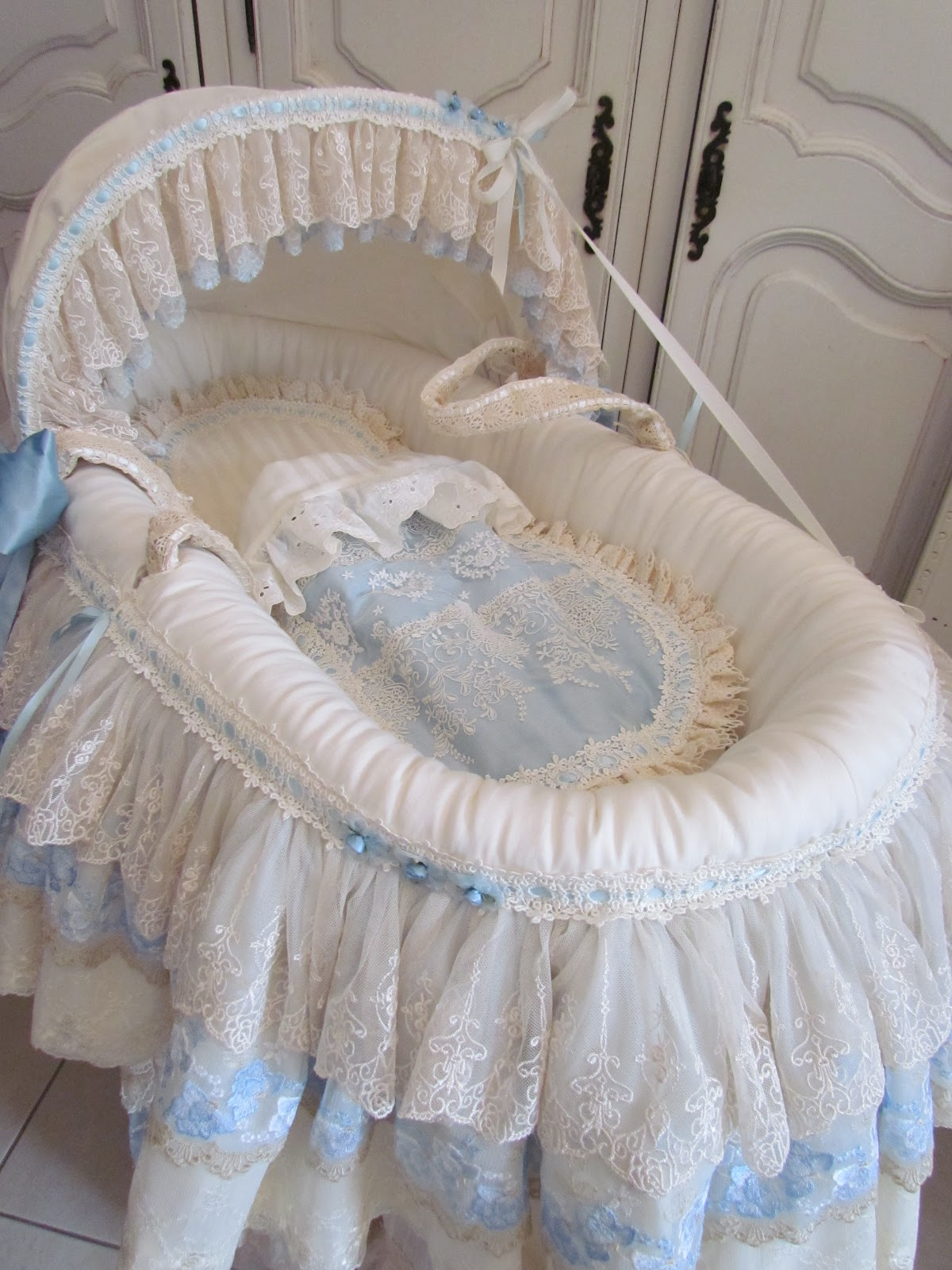 Angela Lace: Pink and Blue Baby Beds