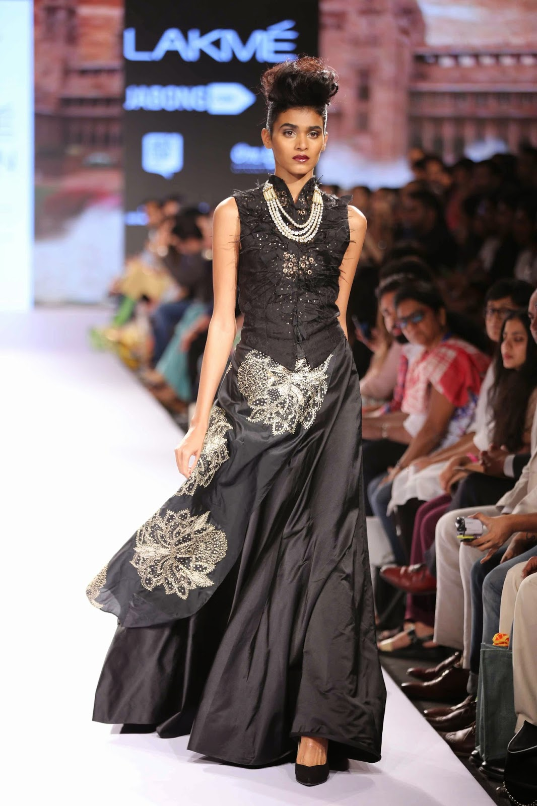 http://aquaintperspective.blogspot.in/, LIFW Day 2 ,Raghvendra Rathore