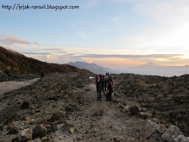 """""""Trecking Mount Papandayan - Garut"""""""