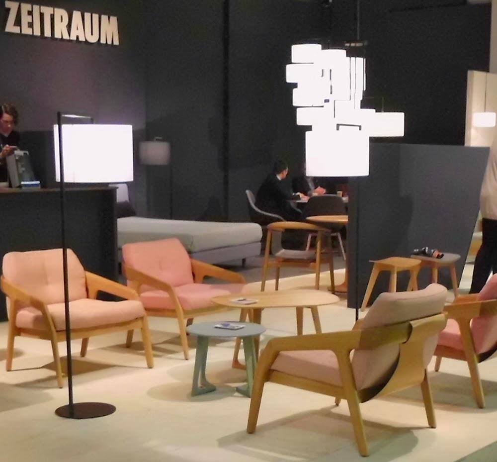 Friday 1 Sessel und Friday 2 Couch im Retro-Design von ZEITRAUM