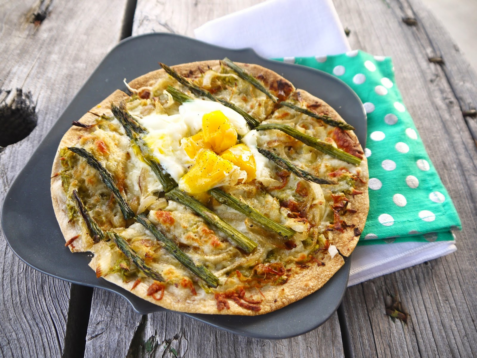 http://www.eat8020.com/2014/03/80-asparagus-caramelized-onion-and-egg.html
