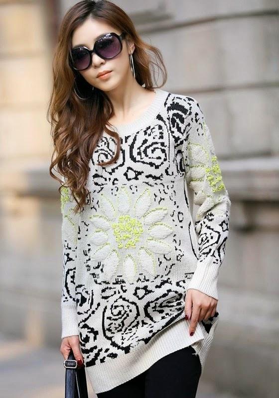 Beige Flowers Print Pullover