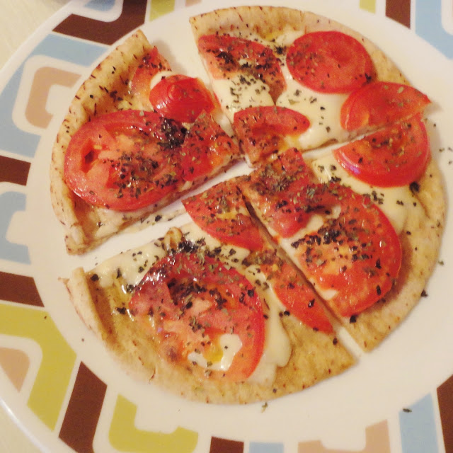 how to make margherita pizza at home