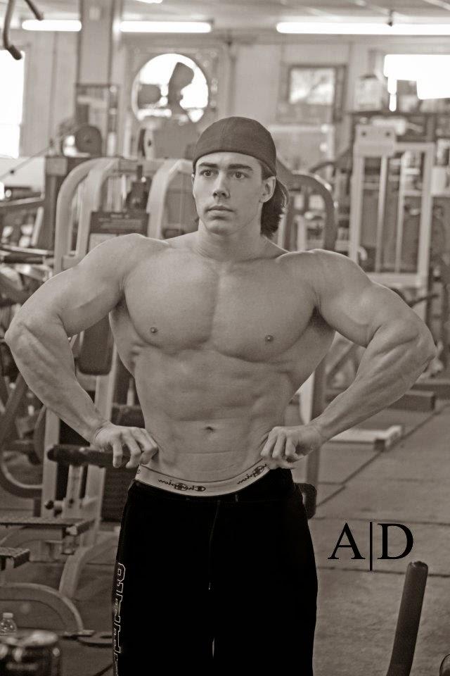 Daily Bodybuilding Motivation: Alex Antanasov - Physique