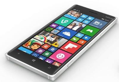 O Lumia 730 não vem com vários acessórios, mas a redução é justificada no preço: R$ 566