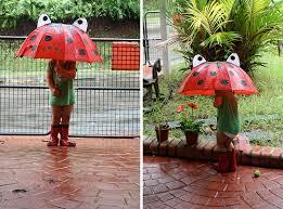 Tips Agar Si Kecil Tidak Sakit Saat Musim Hujan