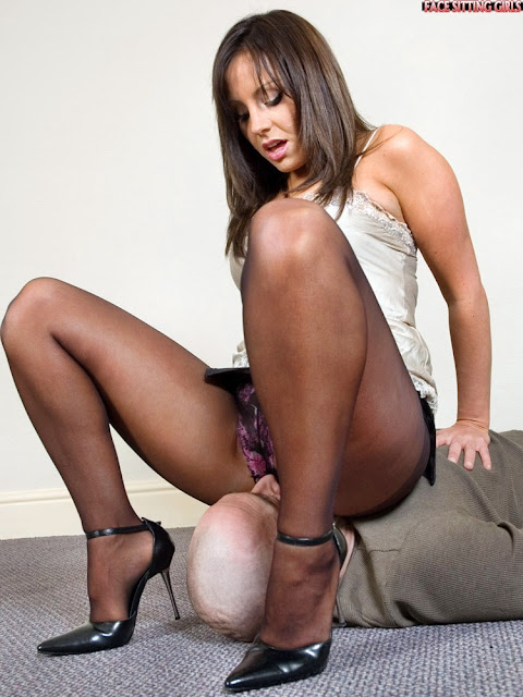 More detail Facesit in pantyhose well