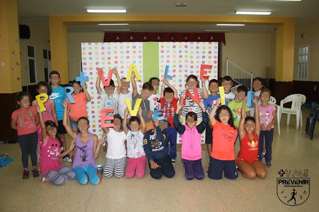 niños escuela verano club deportivo mas vale prevenir