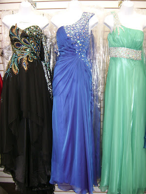 The santee alley how to save money on prom at santee alley for Fashion district wedding dresses