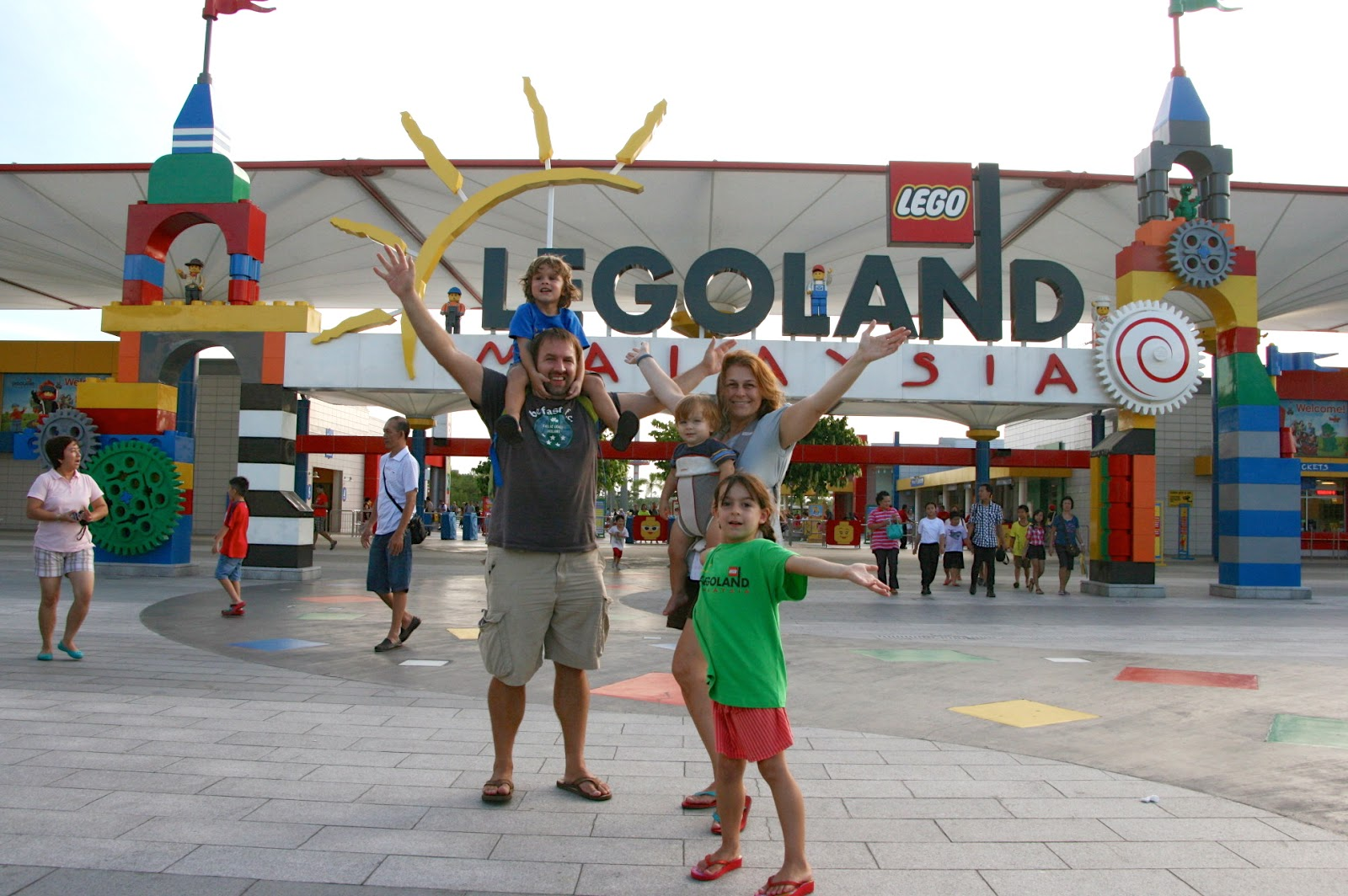 5 Around The World Family Travels With Kids Legoland Tiket Johor Bahru Malaysia Theme Park Dan Water Is Awesome And They Now Have A Hotel Too