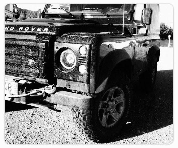 O actual Land Rover Defender poderá sobreviver até 2020
