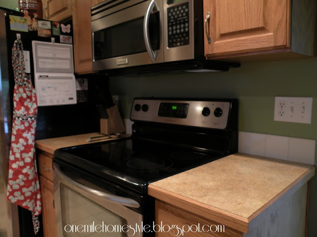 Kitchen - Stove/microwave area