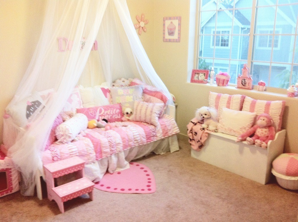 Not so shabby shabby chic update on bella 39 s bedroom for Princess themed bed