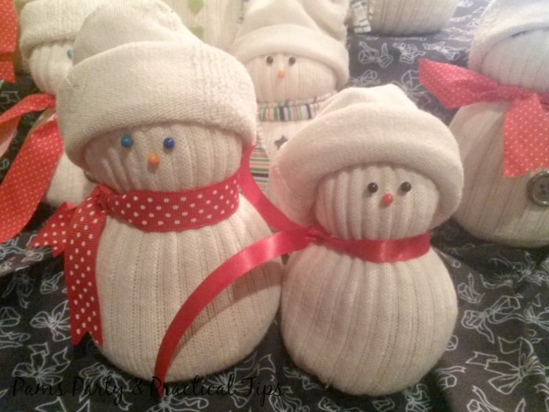 Sock Snowmen, Snowmen Crafts, frugal crafts