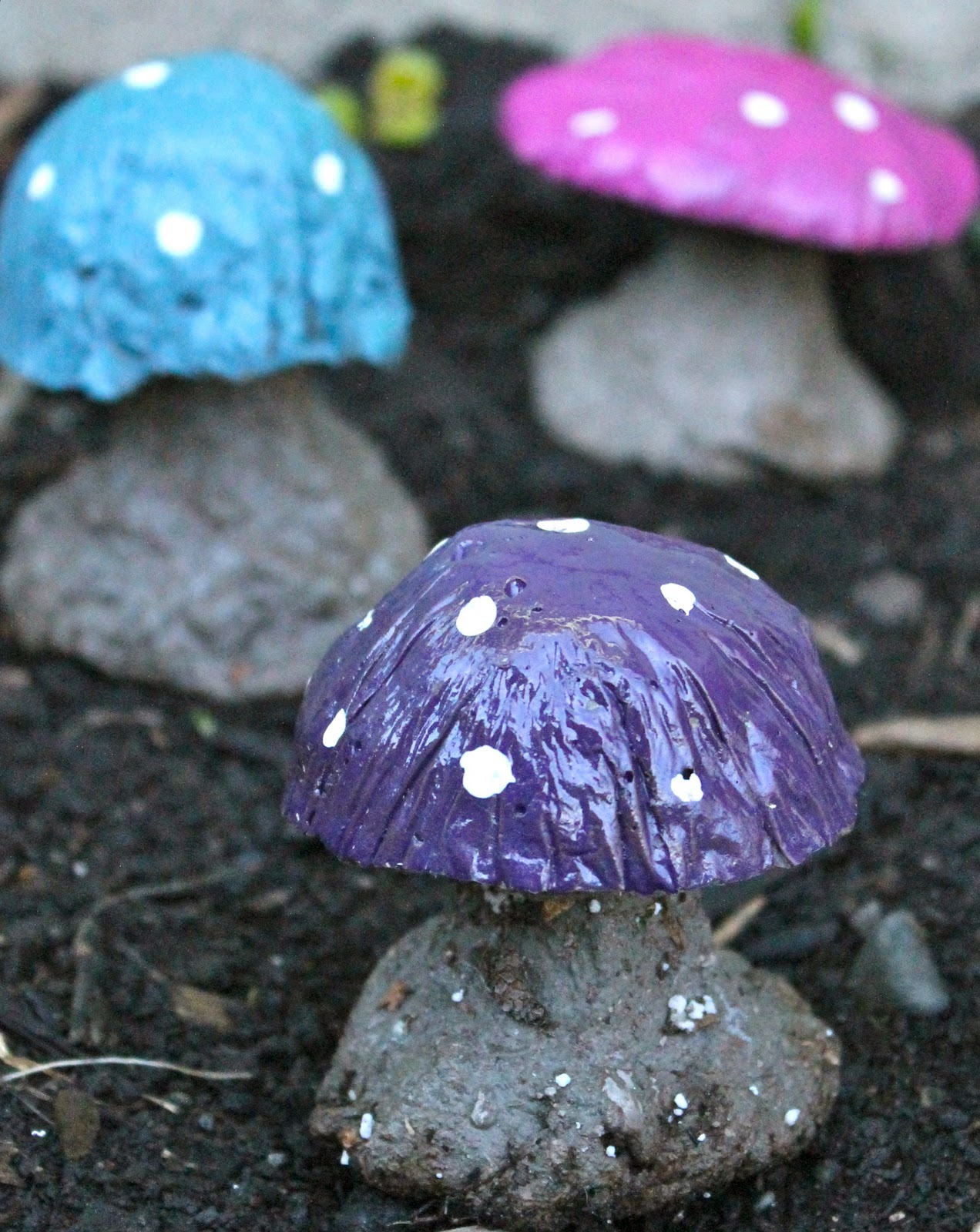 crown hill diy concrete mushroom