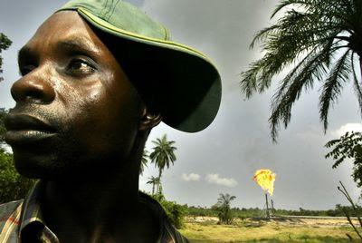 ÁFRICA/NIGÉRIA - A Nigéria perde 7 bilhões de dólares por causa do roubo de petróleo