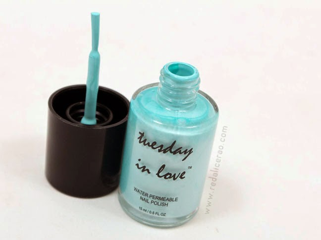 Tuesday in Love, Beauty product, halal nail polish, water permeable nail polish, halal or not, beauty blog, fashion and beauty blog, pakistani beauty and makeup blog, redalicerao, red alice rao, blogspot, makeup, nail polish, Tiffany Blue Nail Polish, Tiffany Blue