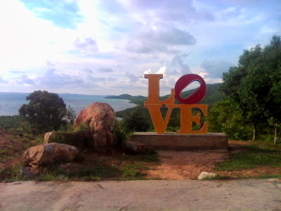 Pemandangan dari Bukit Love