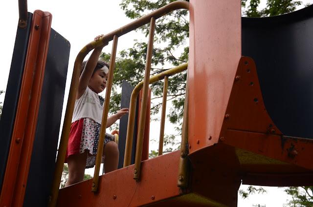 Kecil climbing @playground