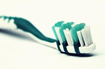 Inilah Bahayanya Jika Gunakan Sikat Gigi Lebih Dari 3 Bulan