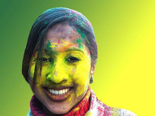 """2013年インドの奇祭、色の祭典""""ホーリー"""""""
