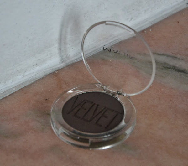 Review: Madina Royal Velvet Eyeshadow in Coffe&TV