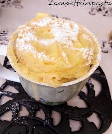 Guarda la videoricetta della Torta di mele in tazza