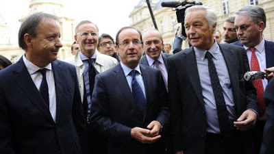 Cumul des mandats : le passage en force de Hollande contre les sénateurs PS