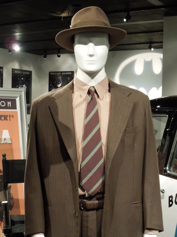 Josh Brolin Gangster Squad movie suit
