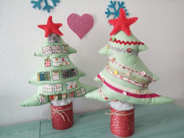 Árboles de Navidad artesanales de tela