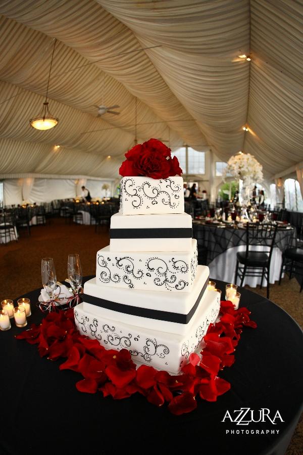 A Fabulous Wedding At Newcastle Golf Club In Black And White Flora Nova Blog