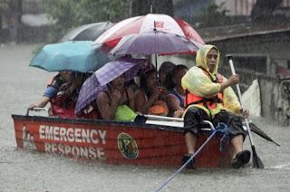 Manila flood, san juan, boat