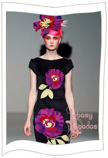 Tocado flor grande en tonos morados de Elisa Palomino