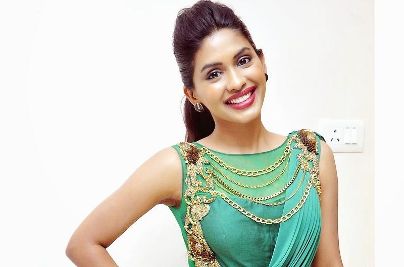 Actress Anjali Patil New Pics