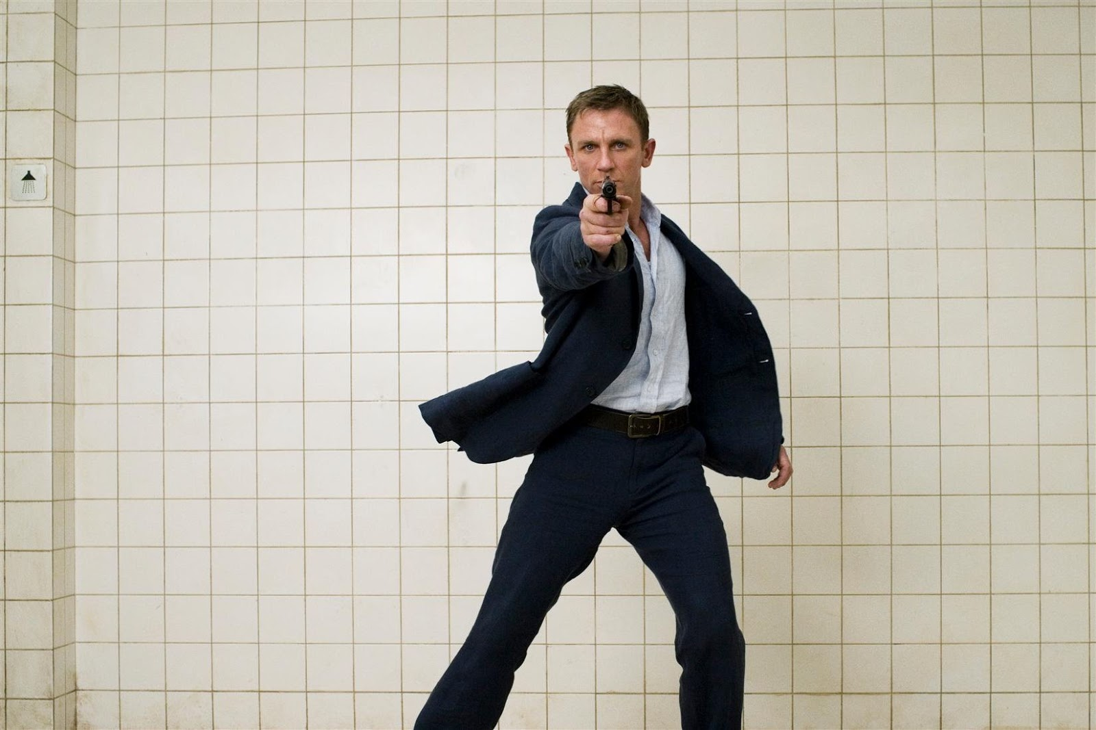 ITS ALL ABOUT HOLLYWOOD STARS  Daniel Craig Fresh HD Wallpapers 2012