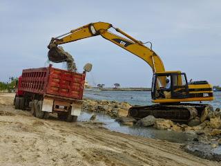 Limpian Playa El Faro en SPM