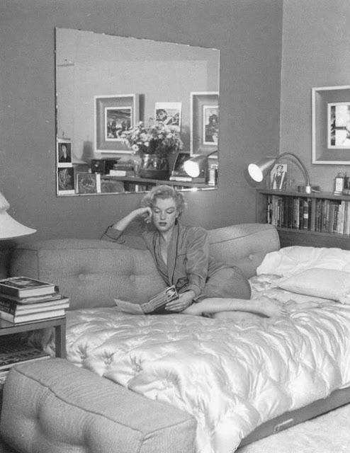 Marilyn Monroe Reading Vintage Everyday