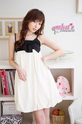 Modelos de vestidos en blanco y negro