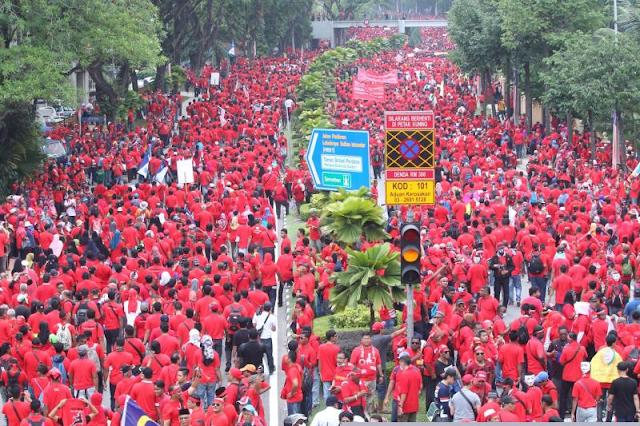 gambar-gambar sekitar perhimpunan baju merah, apa motif sebenar perhimpunan baju merah