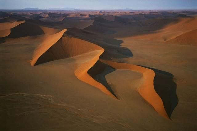 beting pasir gergasi di Namib Naukluft National Park di Namibia