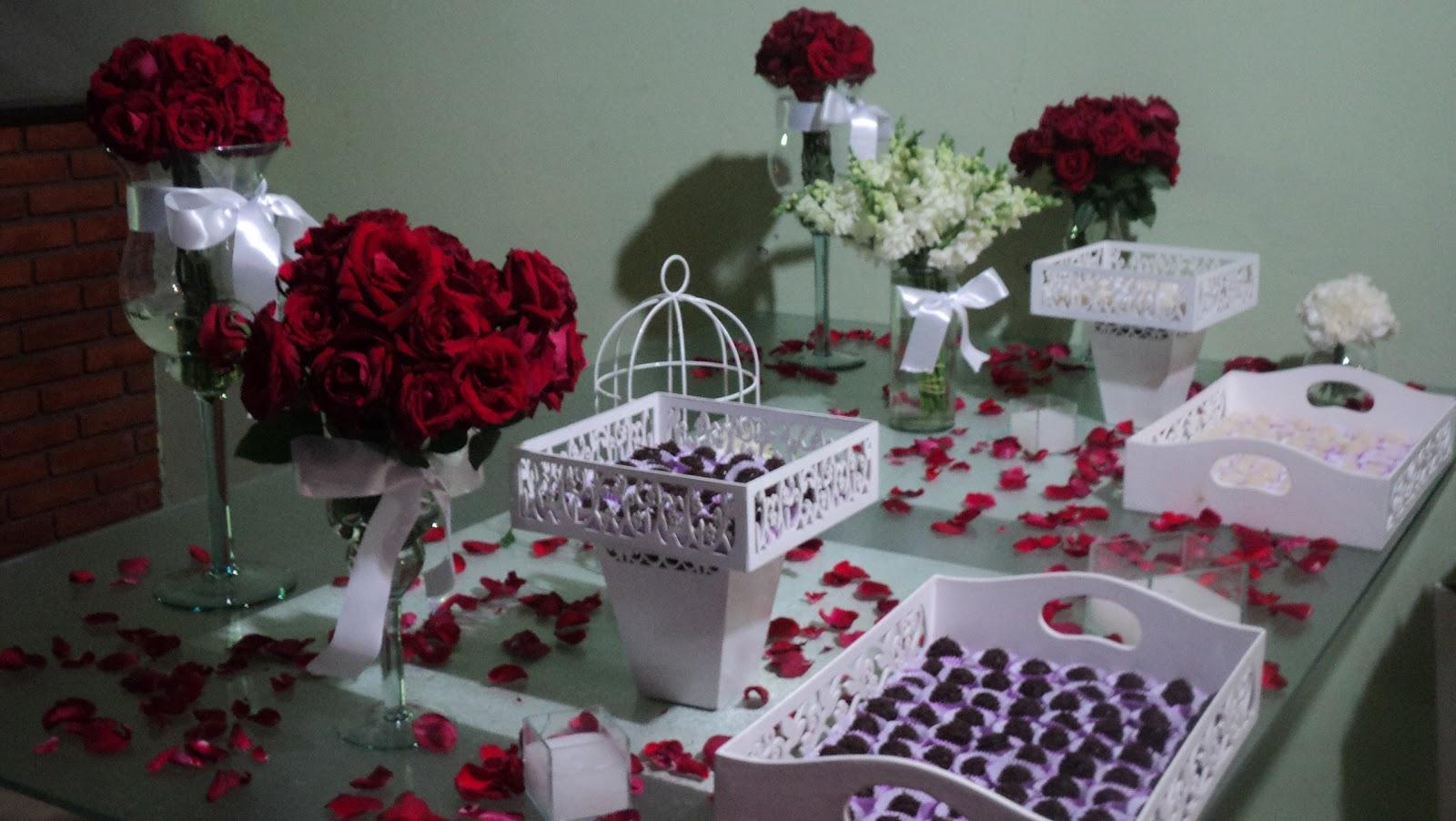 decorar um casamento: um pouco do vermelho e dar harmonia a decoração já um tão linda
