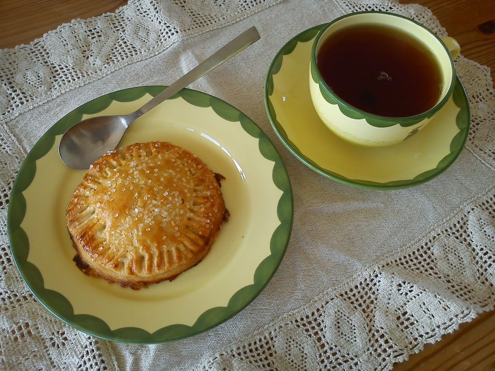 Kitchen of Kiki: Tartes aux Pommes for Tea Time Treat ...