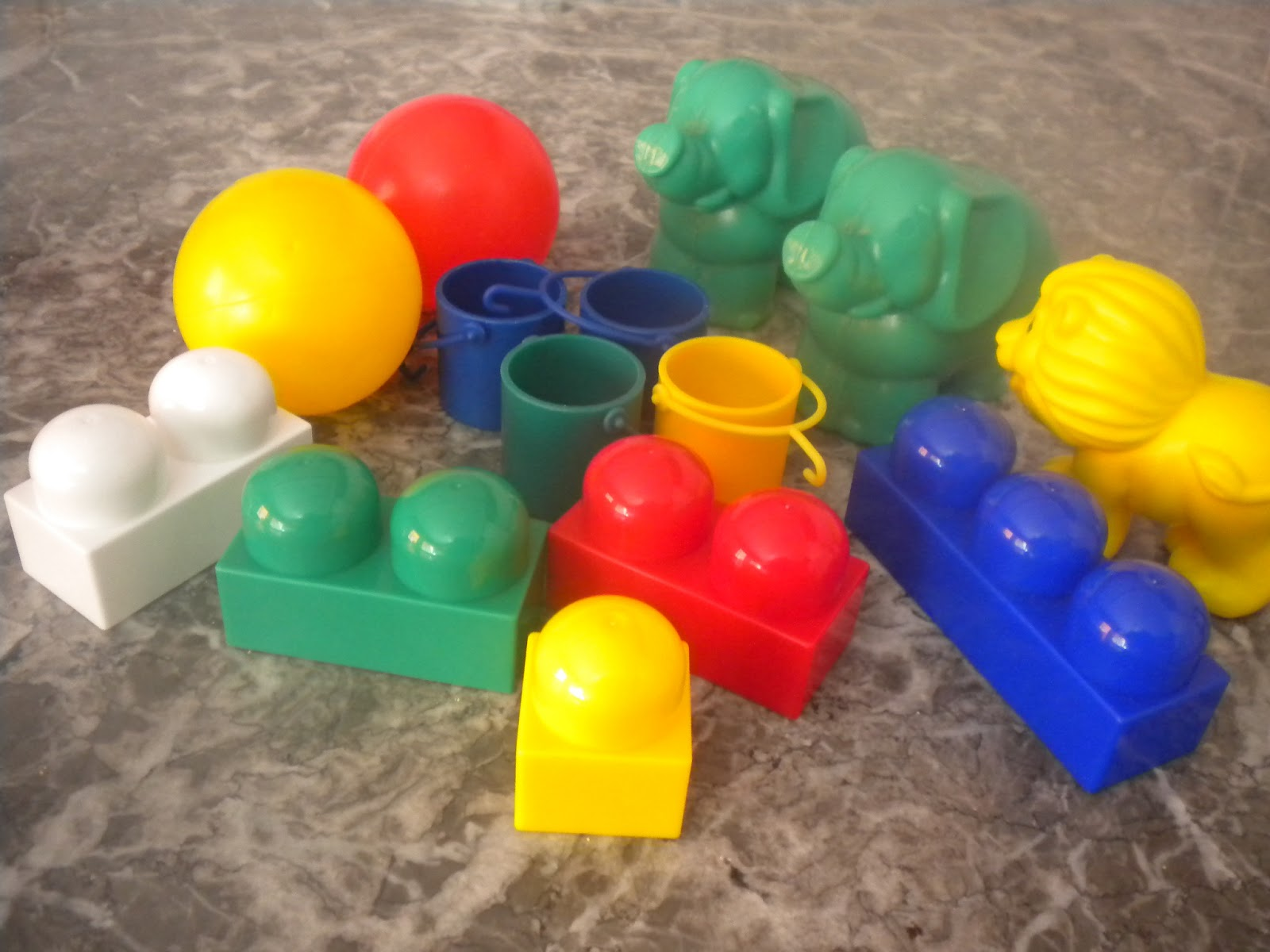 B aprende en casa taller caja 1 mis primeras for Caja de colores jardin infantil